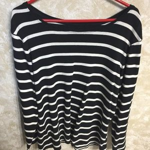 Old Navy Long Sleeved T-Shirt